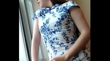 Chinese girl in cheongsam masturbates on the toilet【Subscribe to me and update new videos every day】
