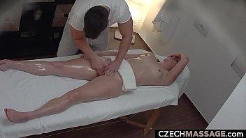 Potrebna punca na masaži