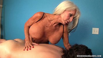 Jacked milf Mature masseuse handjob
