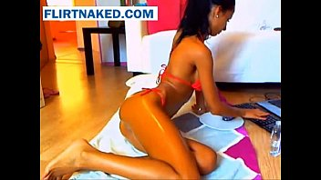 Latina Gets Oiled Up On Webcam