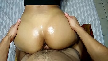 SEXY LATIN GIRL TAKES BIG COCK AND CUMSHOT ON ASS
