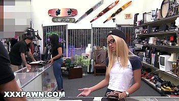 Jolie jeune sexy xxx - Xxxpawn - uma jolie paying dues to get her ring back from pawn shop