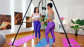 Face Sitting and Pussy Eating Workout / Brazzers full at http://zzfull.com/faces