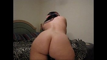 Incredible Booty Shaking As Roxy Lays Naked On Her Bed