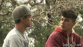 2 jovenes calientes