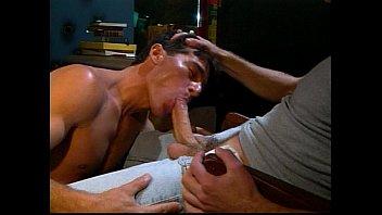 คลิปชักว่าวเปิดควยให้ดูจนเงี่ยนทั้งดูดปากดูดรูตูดกันอย่างสุดเร้าอารมณ์