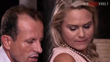 VIP SEX VAULT - Czech MILF Barra Brass Has Hot Sex With Her Real Estate Agent