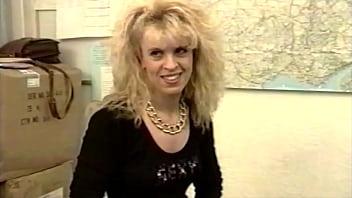 Dolly Golden French Pornstar 90s première scène anale avant la reconnaissance !