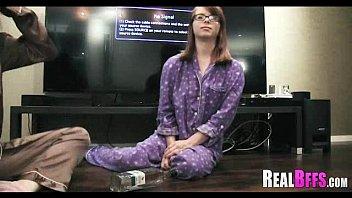 Orgia de faculdade pijama festa 178