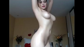 Hottest light skin babe free stripped cam
