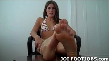 Open wide and suck my sweet little pink toes