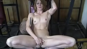 Having sex with a body builder - Naked fit redhead cums from finger fucking herself