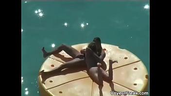 A floating blowjob voyeur cam