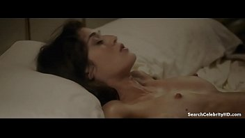 Lizzy caplan nude photos Lizzy caplan in masters sex 2013-2015