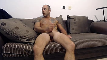 Stranger lets me into his home to jerk off on camera for him on a dare