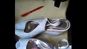 Stripper shoes australia Gozando na sandália com chulezinho