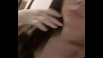Mimi saindo do hotel de seu principe com a ppk asadinha de tanto socar mas ainda com tesao e comenca a se masturbar no uber