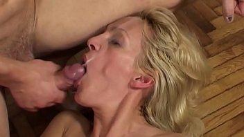 Sexy mature Sara Jay flaunting