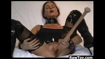 Baseball mom porn - Masturbating with a thick baseball bat