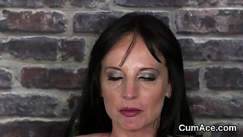 Spicy model gets jizz shot on her face eating all the jizm