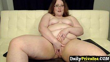 Posh FinDom mistress RaeLynnWaverly rubs n pounds phat meaty cunt