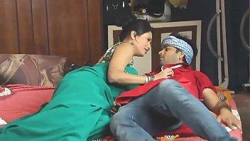 Desi bhabhi seduced and fucked by servant thumbnail