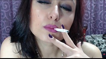 SMOKING GIRL