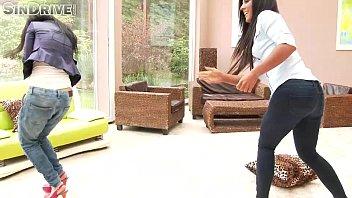 Amazing brunette's in jeans (Aysha Rouge & Maria Fiori) Thumb