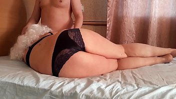 Mature milf seduced a young guy. Creampie