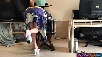 Tp bits stuck to ass Stepmom gets stuck while sneaking out and fucks stepson to get free - erin electra