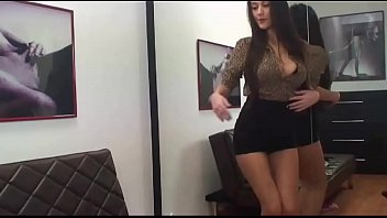 CamWOW.us Presents: Brunette with Perfect Tits (HD)