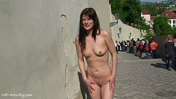 Naked on yhe streets - Crazy babe rossa naked on public streets