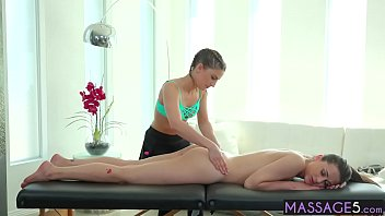 Petite lesbian massage a hot client with perfect ass