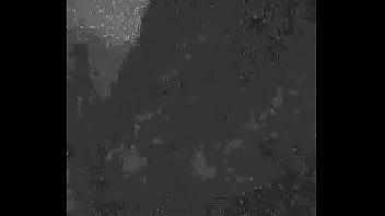 Chupando Pica no escuro com Halls Preto