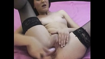 Hottie Camgirl in nylons fucks her tight pussy - www.24camgirl.com