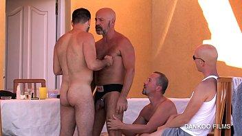 Palm springs gay resorts blog Gay resort episodio 2. val y deif se lo montan apartados del resto