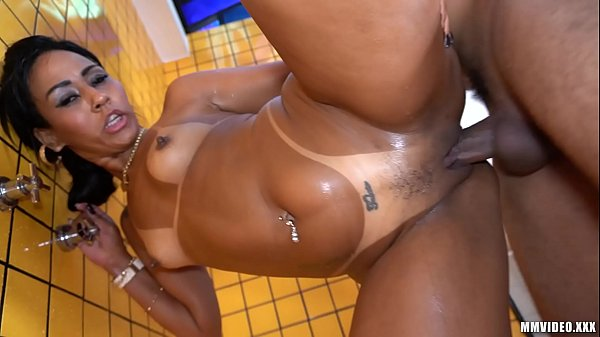 Cumming hard on big ebony booty