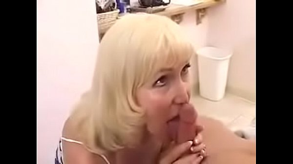 Lola Lee Fucks