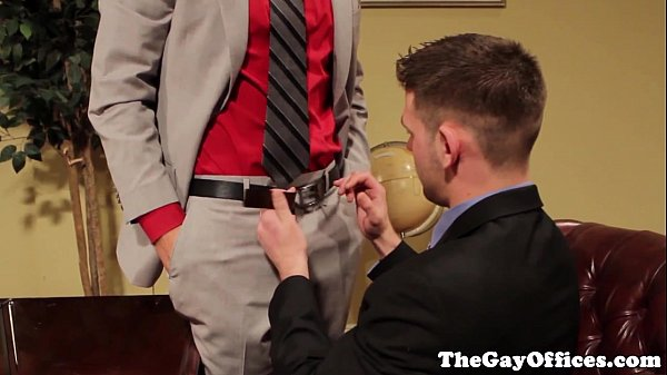 Gay Officesex Hunks Blow Their Loads