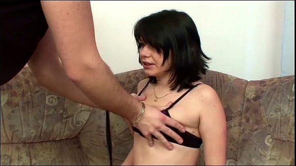 Училка сама в классе мастурбирует себе смотреть
