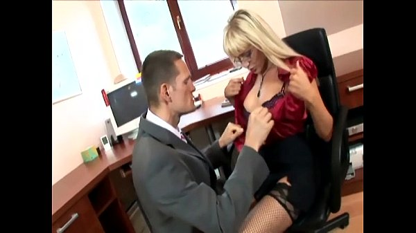 Secretary in thigh highs fucking at the office Thumb