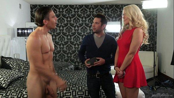 Annika Albrite Ass Licking