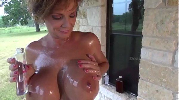 סרטי סקס Deauxma Oily Workout