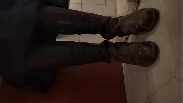 Лесби измазалась в грязи видео