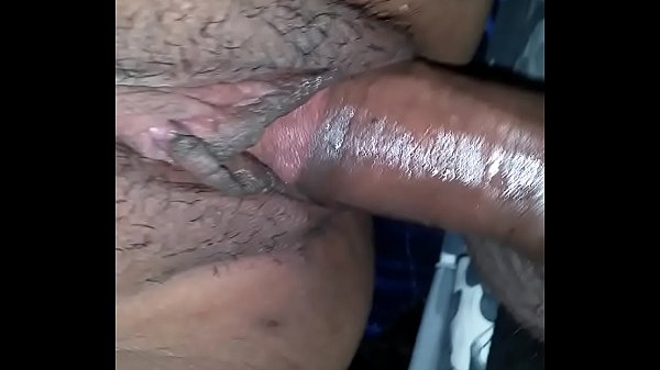 i creampie her in the back seat when her bf loo...
