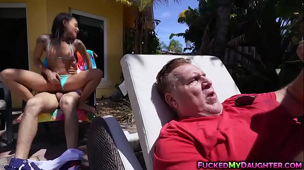 Latina cutie Holly Hendrix hot anal poolside fuck Thumb