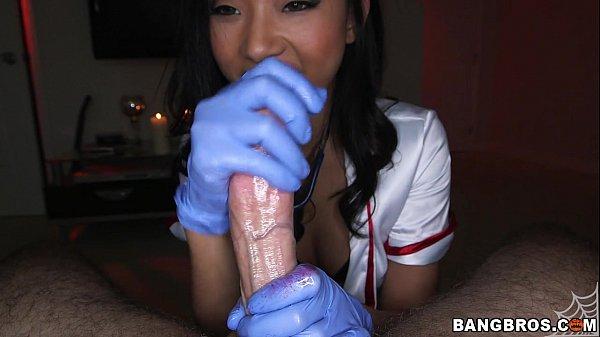Смотреть порно молодых девушек в чулках