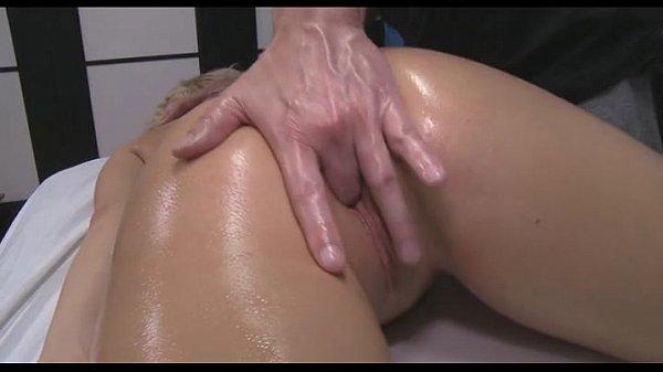 Секс с женщинами во время массажа