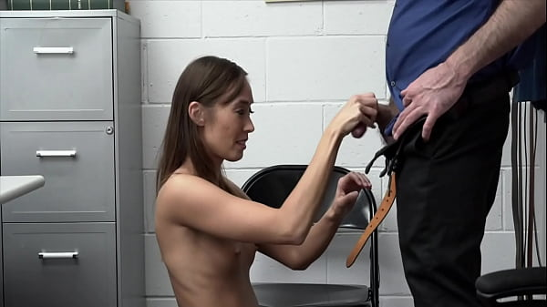 Christy Love forced to give blowjob Thumb