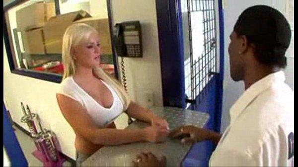 Andi Anderson Needs A Good Car Ride - Pornhub.com